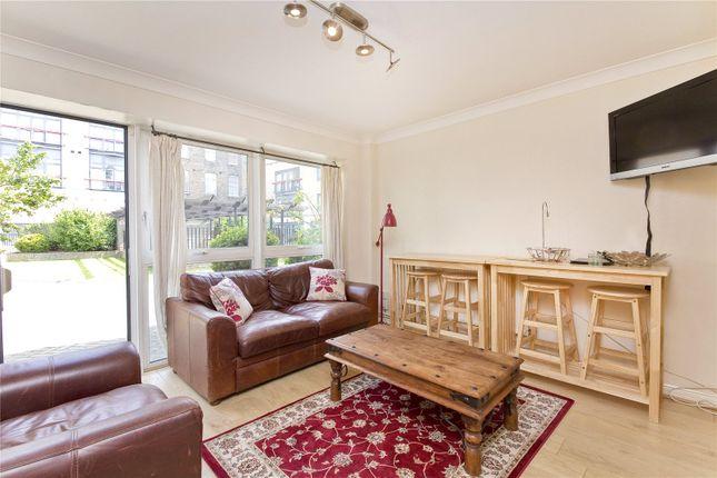 2 bed flat to rent in St John Street, Clerkenwell