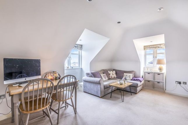 Living Room of Parkwood Flats, Oakleigh Road North, London N20,