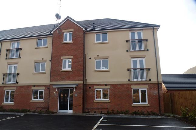 Thumbnail Flat to rent in Collingwood Crescent, Liberty Park, Swindon