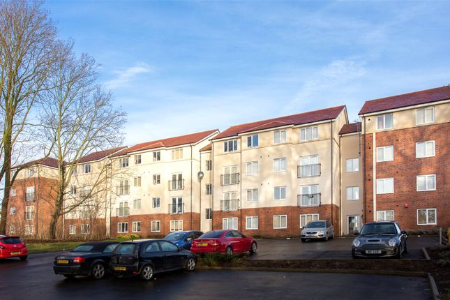 Thumbnail Flat to rent in Holly Way, Leeds, West Yorkshire