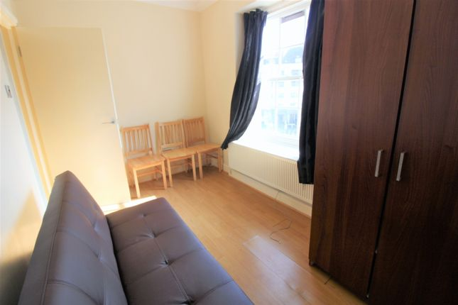 4 bed flat to rent in Chalton Street, London