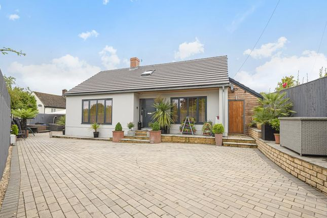 Thumbnail Detached house for sale in Charlbury, Oxfordshire