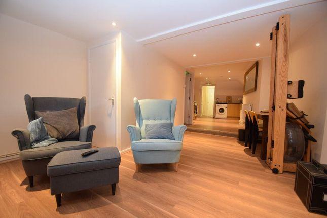 Thumbnail Flat to rent in Windsor Street, Uxbridge