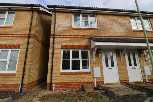 2 bed terraced house to rent in Kestrel Close, Park Farm, Ashford TN23