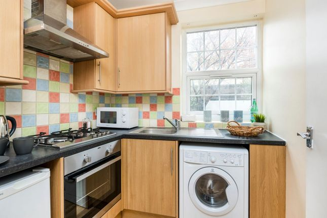 Thumbnail Flat to rent in King's Cross Road, Kings Cross, London