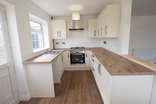 Stylish Re-Fitted Kitchen 412
