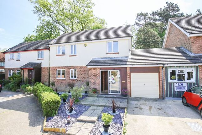 Photo 7 of Mason Close, East Grinstead, West Sussex RH19