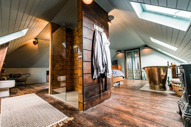 En Suite of Bath House West Hill Road, St. Leonards-On-Sea, East Sussex. TN38