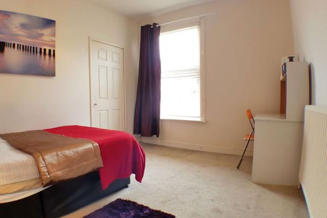 Thumbnail Room to rent in Glebe Street, Castleford