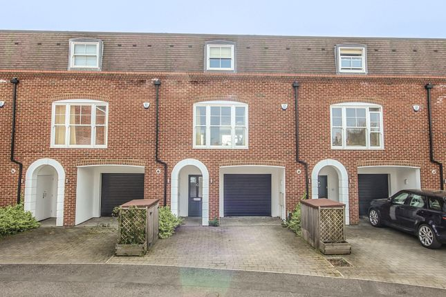 Thumbnail Town house for sale in Lammas Court, Windsor