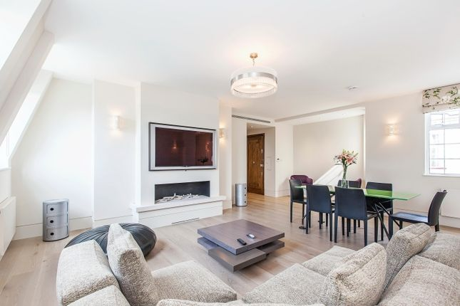 Thumbnail Flat to rent in Warwick Gardens, London