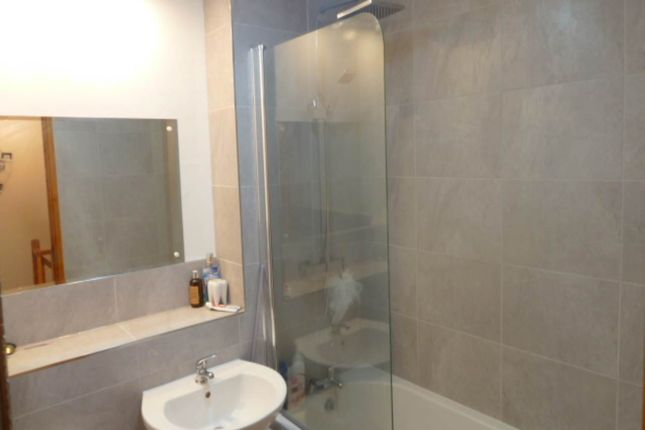 Bathroom of Burgess Meadows, Johnstown, Carmarthen SA31