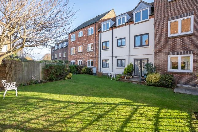 Thumbnail Property for sale in Henty Gardens, Chichester