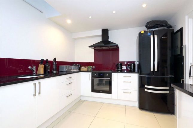 Thumbnail Terraced house to rent in Fredericks Row, London