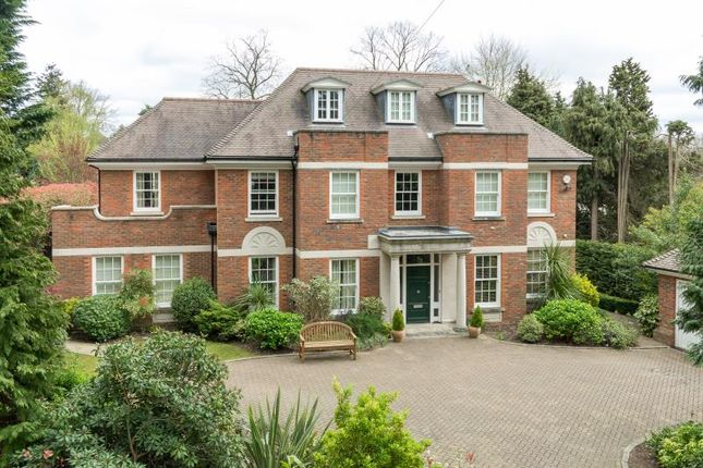Thumbnail Property to rent in Eaton Park Road, Cobham, Surrey