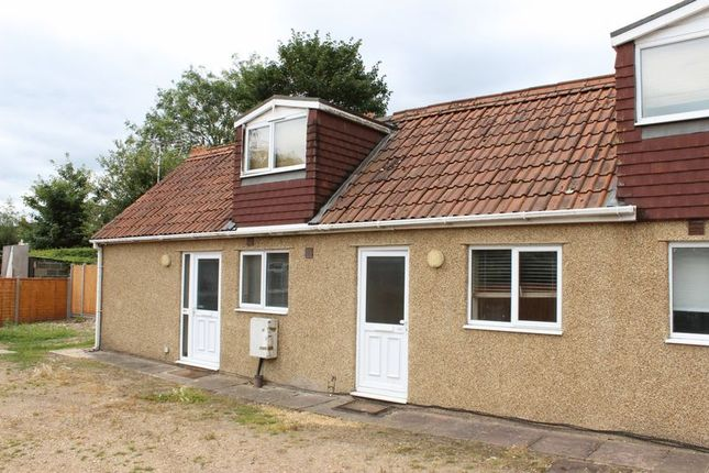 1 bed terraced house to rent in Victoria Street, Englefield Green, Egham