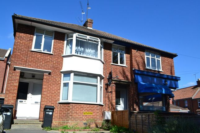 1 bed flat to rent in The Crescent, Yeovil BA20