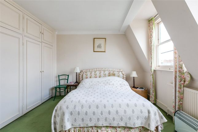 Picture No. 06 of Collingham Place, Earls Court, London SW5