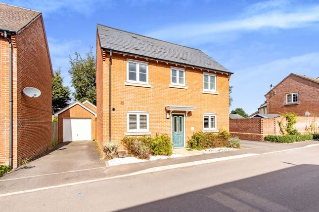 3 bed detached house for sale in Bluebell Way, Durrington, Salisbury SP4