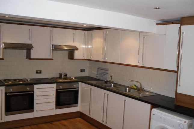Thumbnail Terraced house to rent in 54 Headingley Avenue, Headingley