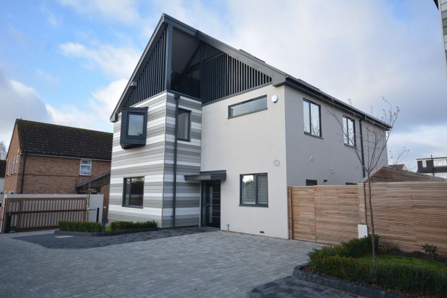 Thumbnail Detached house for sale in Platford Green, Emerson Park, Hornchurch