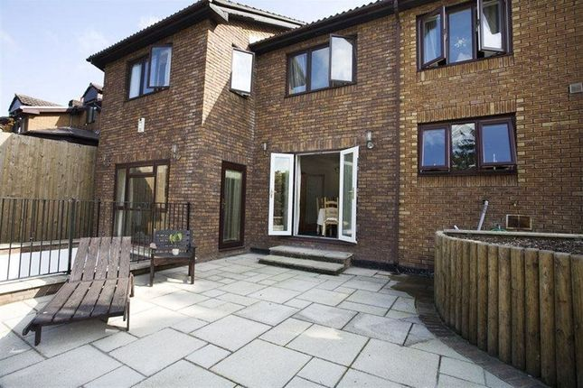 Thumbnail Property to rent in Castell Court View, Tongwnlais, Cardiff