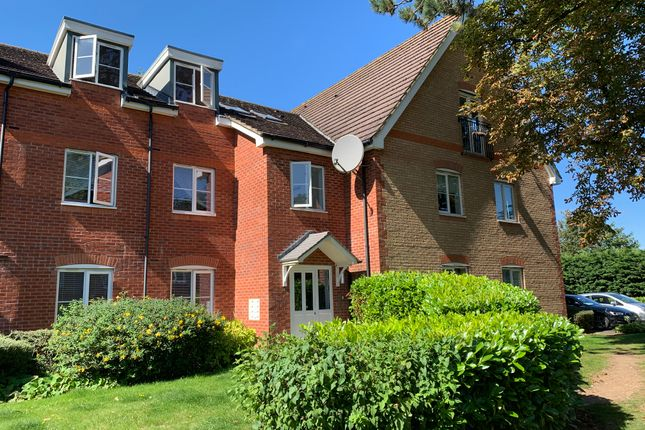 2 bed flat to rent in Daneholme Close, Daventry NN11