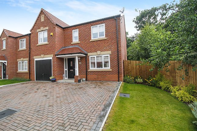 4 bed detached house for sale in Hallcoate View, Hull