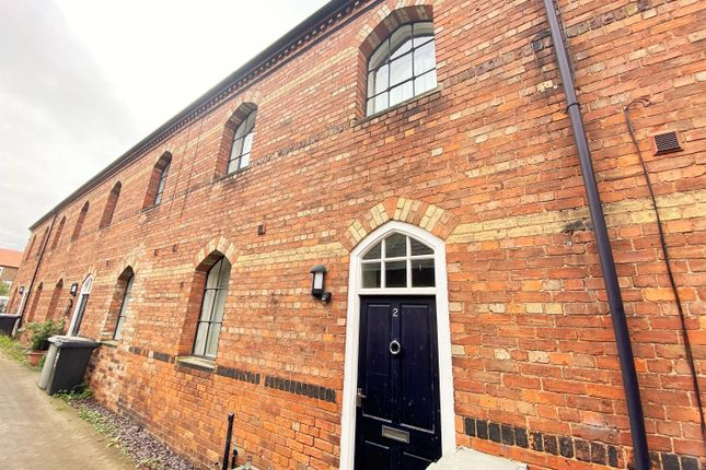 Thumbnail Terraced house for sale in Kidgate, Louth