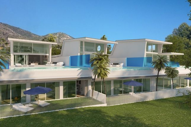 4 bed villa for sale in Benalmadena, Malaga, Spain