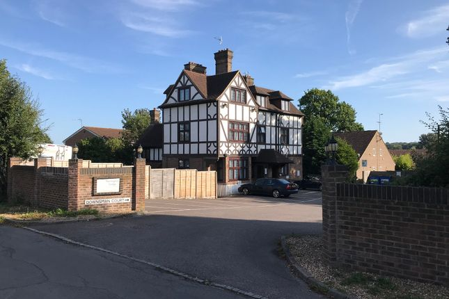 Thumbnail Hotel/guest house for sale in Hunter Road, Crawley