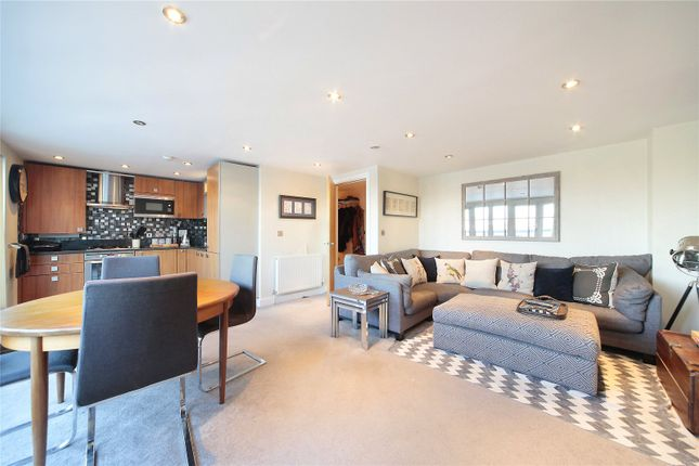 Thumbnail Flat for sale in Stane Grove, Clapham, London