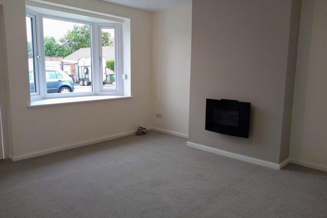 Thumbnail Bungalow to rent in Rosslyn Crescent, Poulton-Le-Fylde