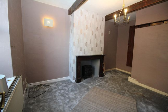 Lounge of Snowden Road, Shipley BD18