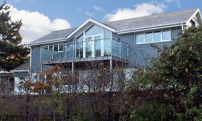 Thumbnail Detached house for sale in Alexandra Road, Cowes