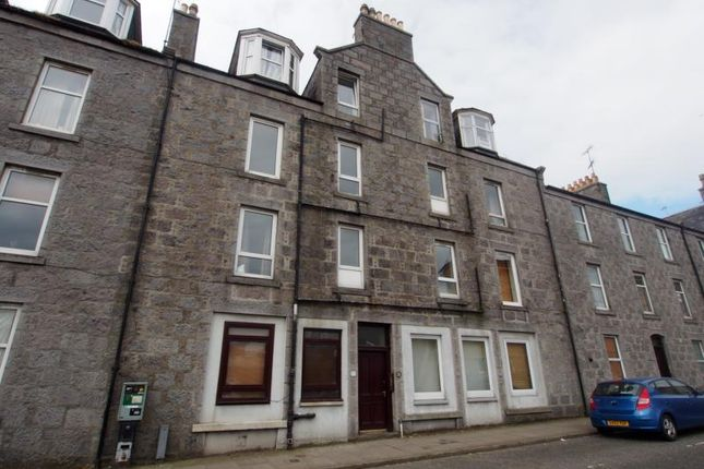 Thumbnail Flat to rent in Portland Street, First Floor Left