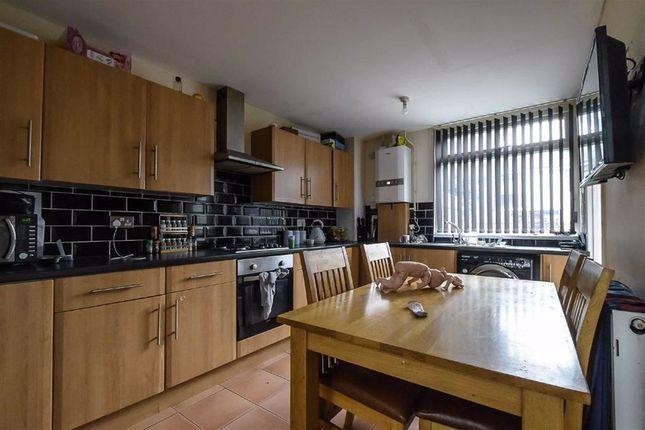 Kitchen of Pitsford Close, Bransholme, Hull HU7