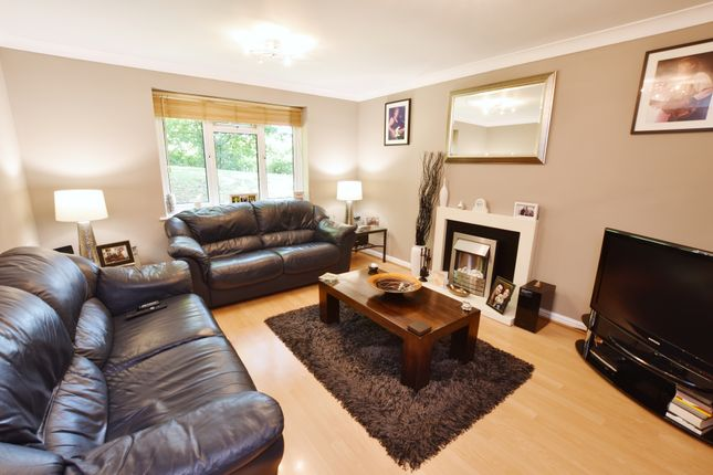 Thumbnail Flat for sale in Ronald Court, Oakwood Road, Bricket Wood, St. Albans