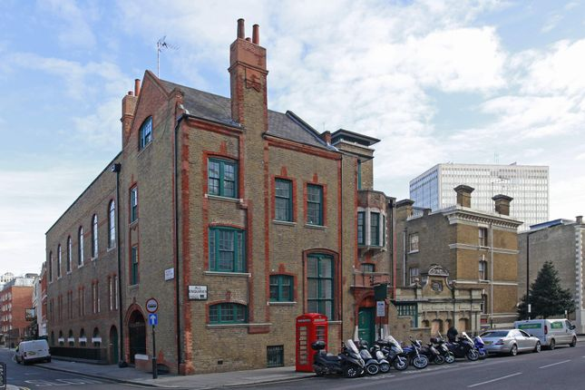 Office to let in 43 Palace Street, London