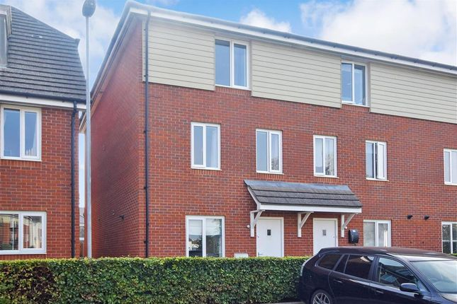 Thumbnail Town house for sale in Arras Road, Portsmouth, Hampshire