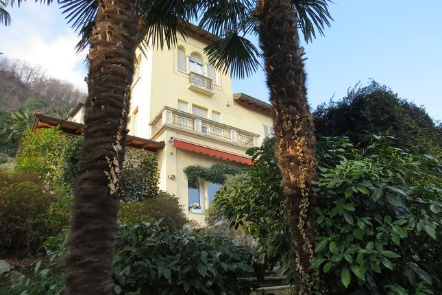 Thumbnail Villa for sale in Liberty Villa With Pool, Como (Town), Como, Lombardy, Italy