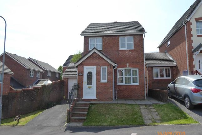 Detached house to rent in Allt Ioan, Johnstown, Carmarthen