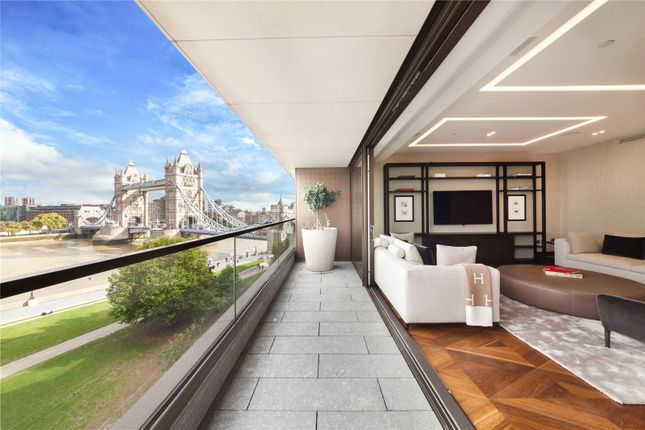 Thumbnail Flat for sale in Blenheim House, Crown Square, London