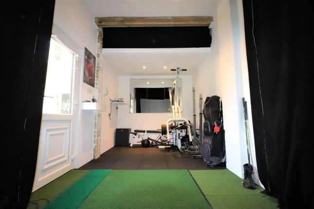 Garage of Garfield, Langford, Biggleswade SG18
