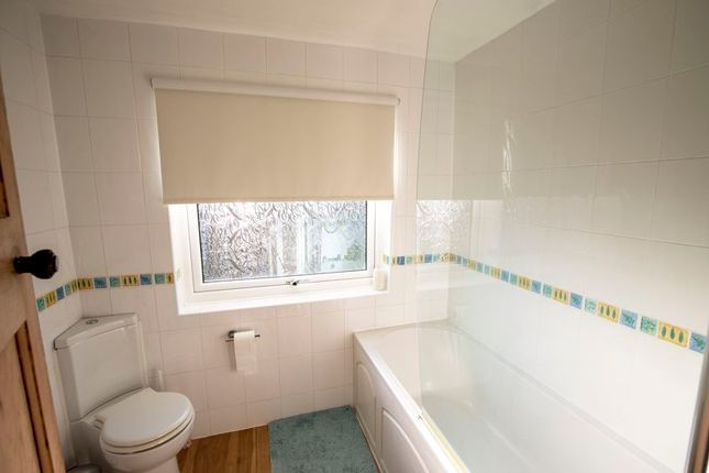 Bathroom of 49 Fore Lane Avenue, Sowerby HX6