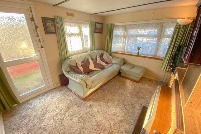Lounge of Fifth Avenue, Parklands Mobile Homes, Scunthorpe DN17