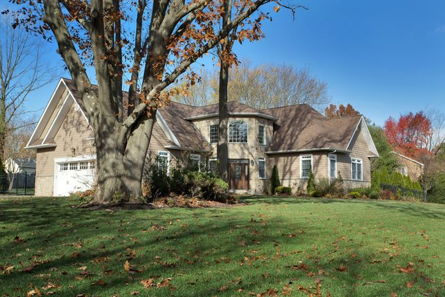 Thumbnail Town house for sale in 1 Rustic Gate, Dix Hills, Ny 11746, Usa