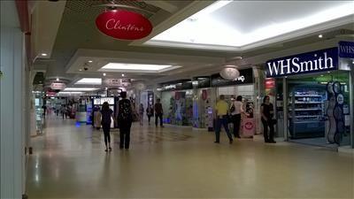 Thumbnail Retail premises to let in Units 61/62 High Walk, The Wellington Centre, Aldershot, Hampshire