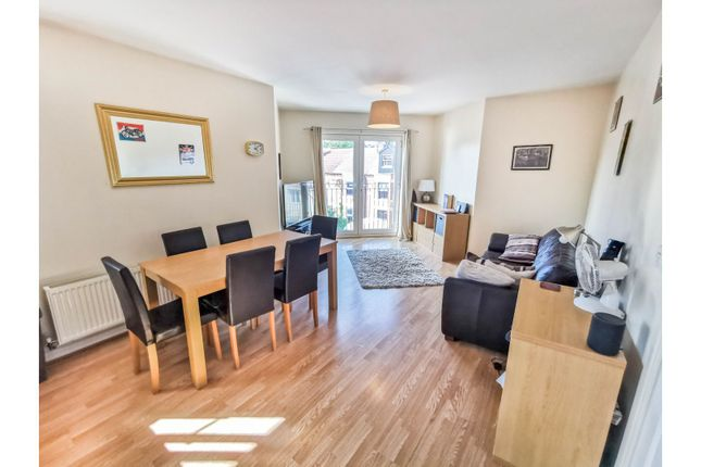 Open Plan Living of Yeomans Parade, Nottingham NG4