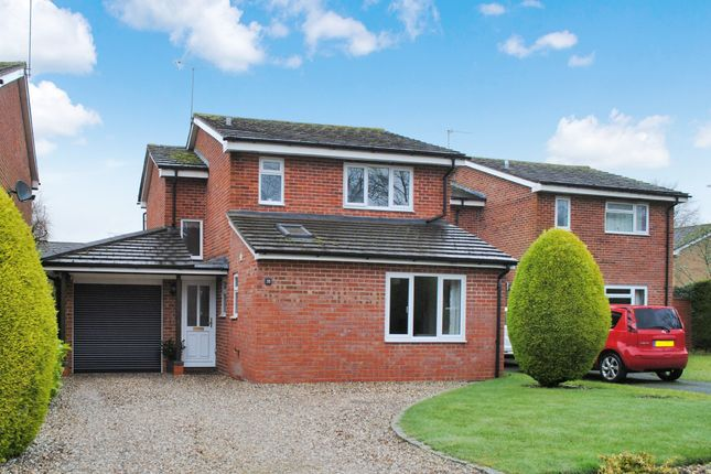 3 bed detached house for sale in Greenacres, Woolton Hill, Newbury